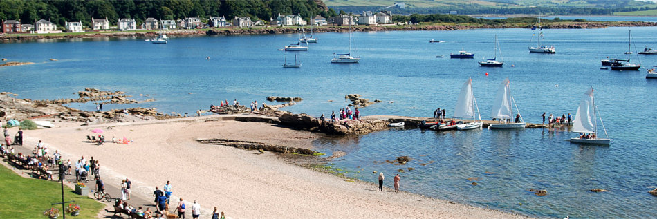 Millport Holiday Apartments Limited - picture of Millport beach